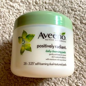 Aveeno Positively Radiant Cleansing Pads - Sealed!